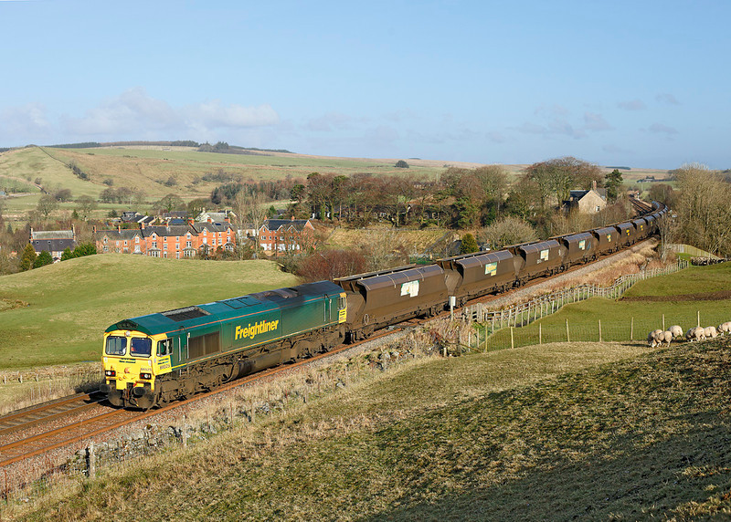 66525 passes Gilsland with 4Z60 the 08.57hrs Drax - Ravenstruther empty coal hoppers<br /> 07/02/2012