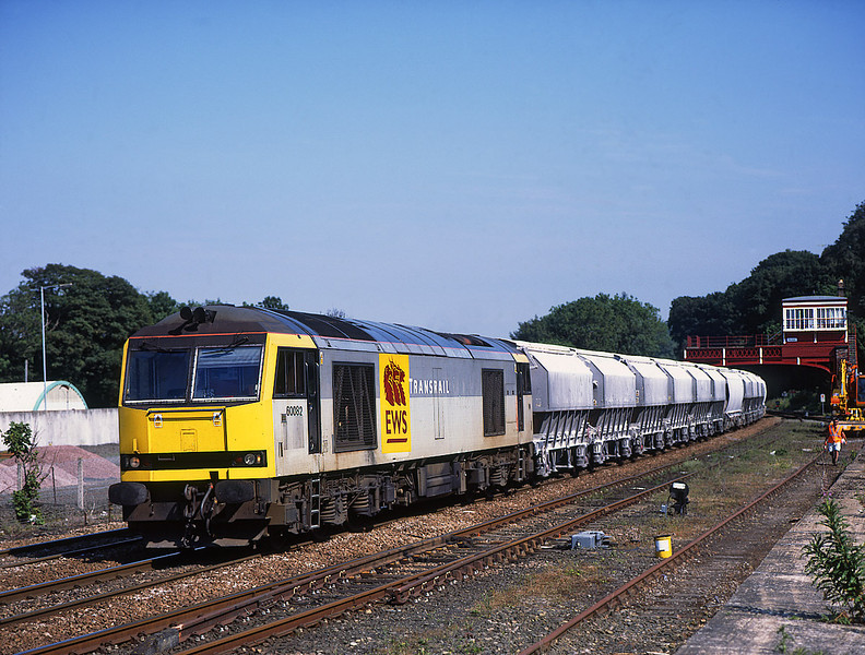 60082 passes Hexham on 6M46 for Hardendale <br /> 4/7/2006