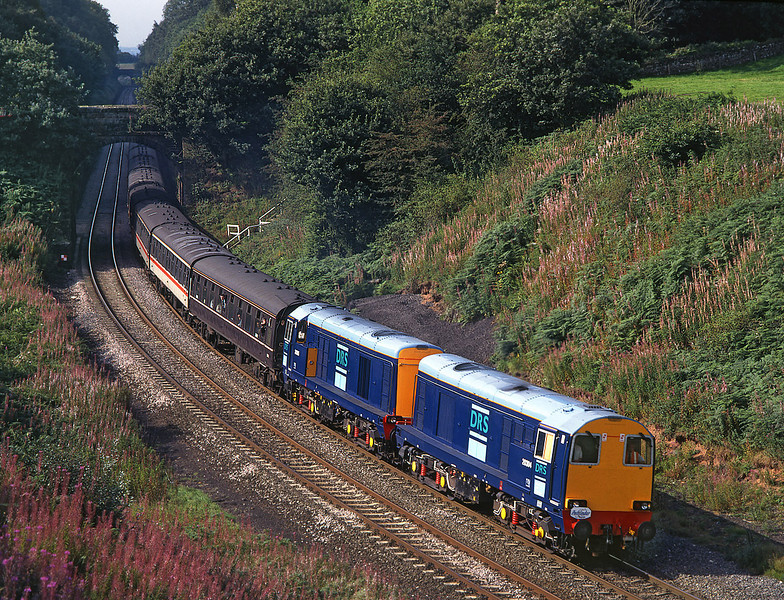 20304+20305 at Cowran Cutting on the 'Geordie choppers' railtour from Bristol<br /> 14/9/1996