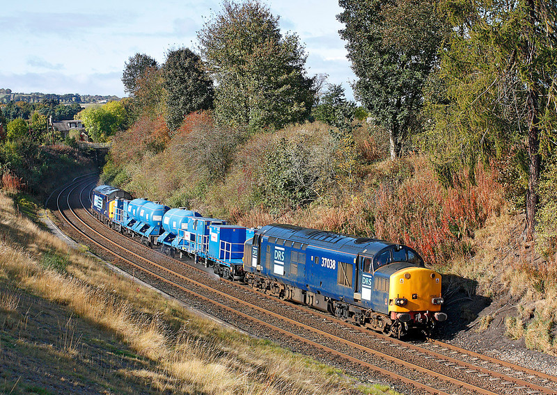 37038 + 37603 on 3S10 the 10.57hrs Carlisle DRS to Carlisle DRS which will turn at Tyne Yard seen Nr Riding Mill	<br /> 11/10/2009