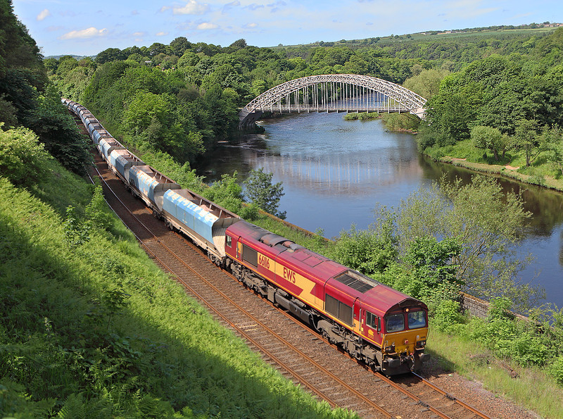 66116 skirts the River Tyne on 6Z55 the 09.57hrs Shap Harrison's sidings - Redcar mineral terminal	seen near Wylam.	<br /> 06/06/2014