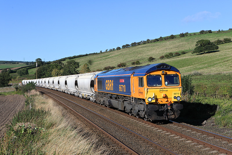 66710 on 6Z58 the 11.48hrs Hardendale - Lackenby seen near	Warden	<br /> 09/10/2013