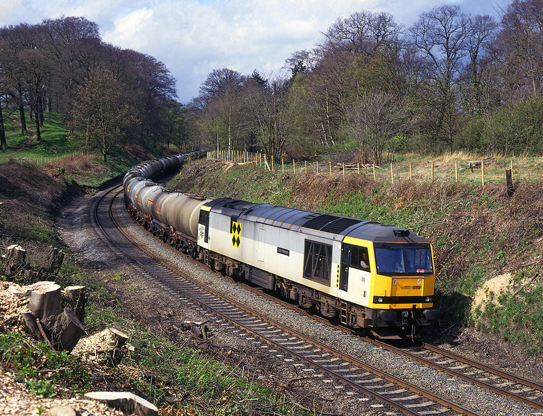 60058 seen Nr Stocksfield on the morning Stanlow - Jarrow oil <br /> 25/4/1994