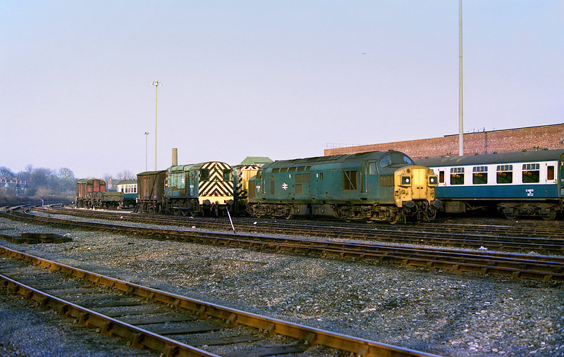 37041 stands at Hull's Botanic Gardens depot on the afternoon of February 24th 1985.