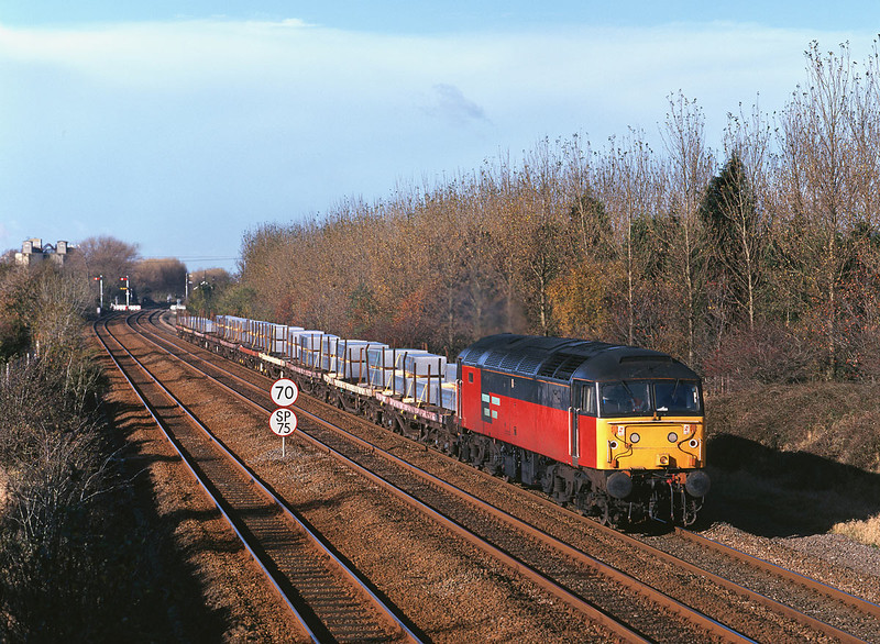 47791 passes Brickyard Lane, Melton, at 10:15 on Thursday 29th October 1998 with the 6D51 08:47 Doncaster - Hull Enterprise service, which on this day would have been a light engine move had it not been for a one-off consignment of aluminium ingots from Lynmouth.