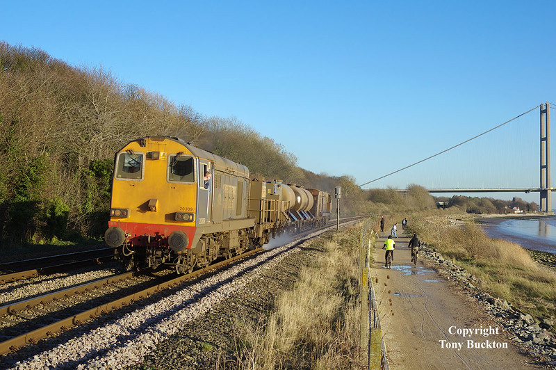 20309 leads with 20308 at the rear of the 11:02 Stocksbridge Works - Thrall Europa RHTT as they skirt along the North bank of the Humber near Hessle at 14:05 on Saturday 13th December 2014.<br /> Rail-head treatment trains have normally long finished by this time of the year as just about all of the leaves have generally fallen, however, on this particular Saturday the working was specially requested , and resulted in a much appreciated last chance of an otherwise (for me at least) fruitless season.