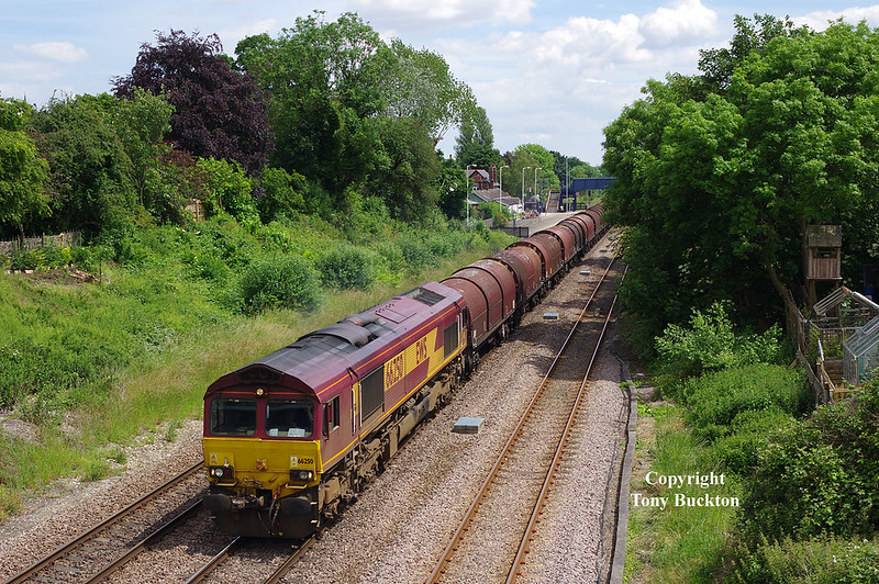 66250 passes Ferriby on Tuesday 21st June 2016 with the 12:25 Hedon Road Sidings - Rotherham Masborough steel hoods.