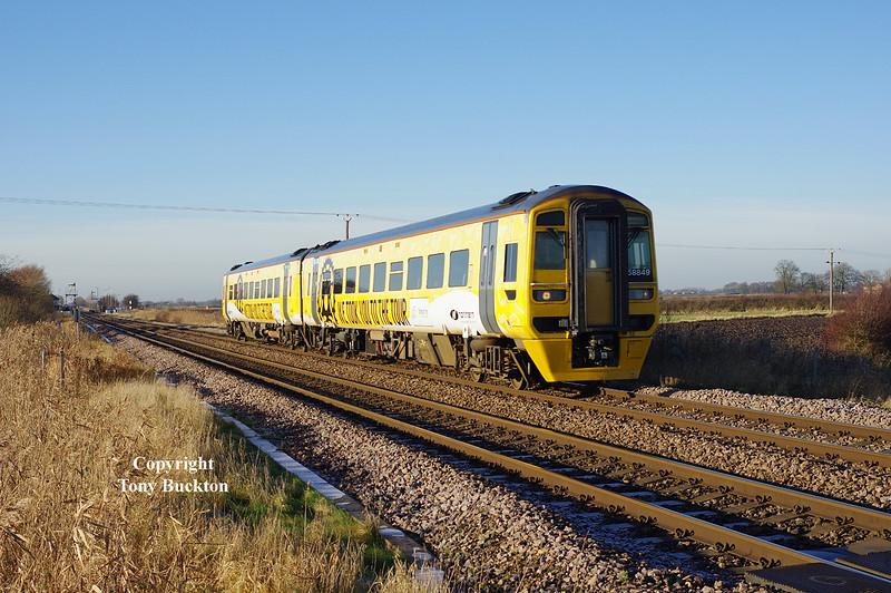 158849 passes Broomfleet at 12:46 on Saturday 13th December 2014.