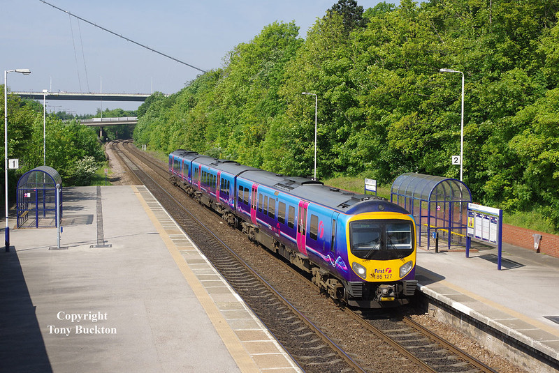 185127 passes Hessle at 10:26 on Monday 19th May 2014 with the 1K06 08:41 Manchester Piccadilly - Hull.