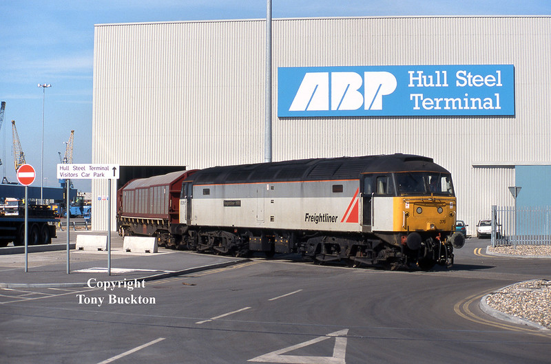 47376 makes for an unusual sight whilst acting as a pilot at Hull Steel Terminal on April 27th 1998. The locomotive had worked in on the short lived Crewe - Hull Freightliner service, which ceased shortly after this date.