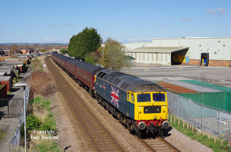 47580 passes the works of Ideal Standard on the approach to Hull at 10:48 on Sunday 17th April 2016 with the 5Z53 10:13 Brindlington - Carnforth Steam Town empty stock.