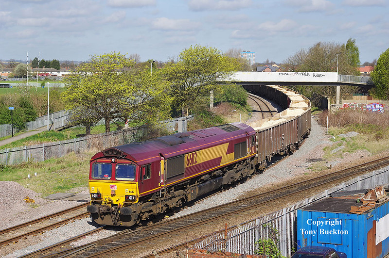 66112 departs from Hessle Road Junction at 10:44 on Thursday 6th April 2017 with the 09:52 Hull Coal Terminal - Gascoigne Wood imported gypsum.