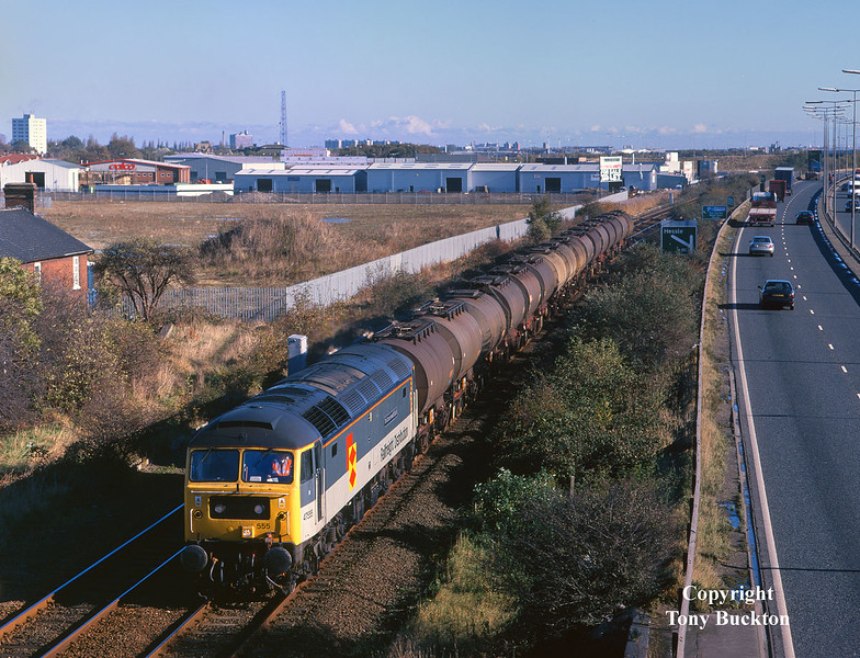 47555  'The Commonwealth Spirit' passes Hessle Haven at 11:15 on Friday 30th October 1998 with the late running 6V14 07:30 Hull Saltend - Baglan Bay acetic acid tanks.