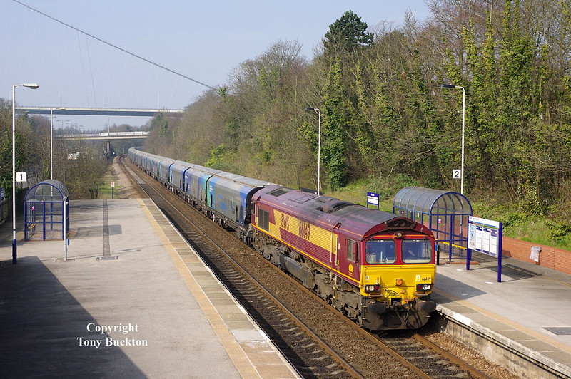 66149 passes Hessle at 10:07 on Friday 10th April 2015 with the 09:23 Milford West Sidings - Hull Biomass LP empty hoppers.