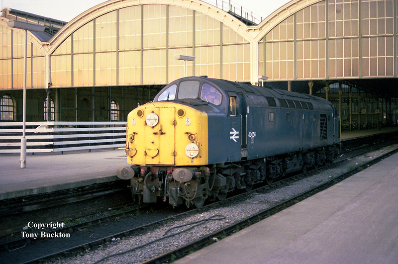 40056 departs Hull Paragon for Botanic Gardens on the evening of July 24th 1984 after working the 1E33 16:35 Carlisle - Hull.