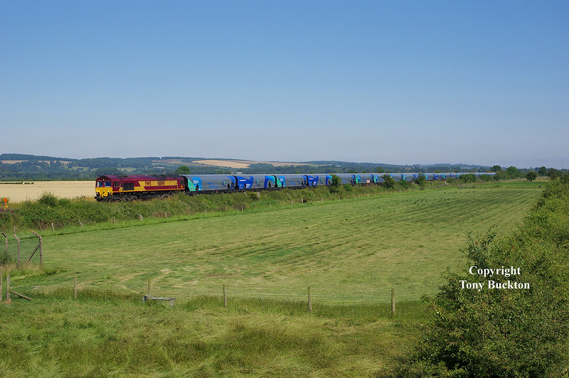 66041 passes Crabley Creek at 15:58 on Wednesday 23rd July 2014 with the 7H73 14:21 Hull Biomass LP - Drax PS.