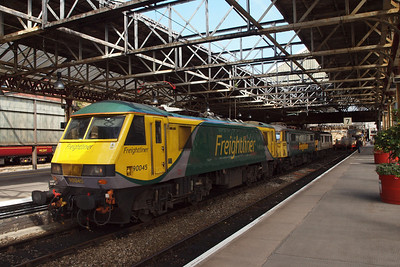 90045, 86613 and 90042 sit in Platform 8 at Crewe.
