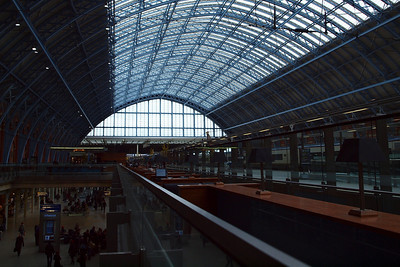St Pancras, and the champagne bar that featured in the epilogue of the 2010 Christmas episode (Series 13, Episode 11) of Holby City.