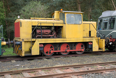 GEC Traction 0-6-0DH No2/5395  05/05/12.