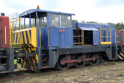 Hunslett Engine Co 0-6-0DH 8902 'Emma' 05/05/12.