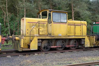 English Electric Vulcan 0-6-0DH D1231  05/05/12.