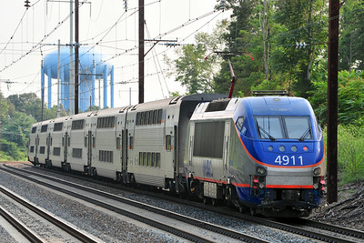 MARC 4911 pushes Train 445, leaving Odenton to head back to DC