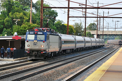 AEM-7 906 leads Amtrak 85 though Odenton.