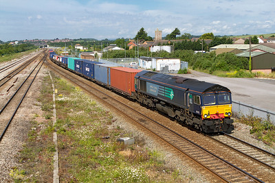EX DRS 66420 now with Freightliner takes the tunnel route at Severn Tunnel Junction with 4O51 09.58 Wentloog to Southampton Freightliner. Wednesday 20th June 2012.