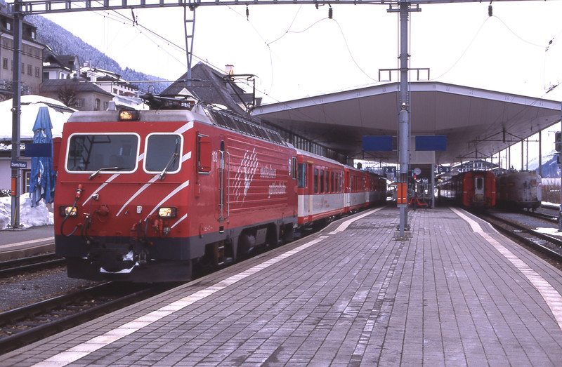 After connecting with the Rhätische Bahn service from Chur 103 departs from Disentis/Mustér with 851 the 16:14 to Andermatt, 6/3/2012.