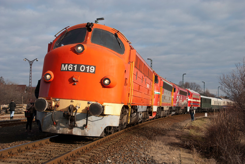 Built in Sweden by the Nohab company to a US General Motors design - twenty were bought by Hungarian state railways (MAV) in the early sixties due to a motive power shortage and a lack of suitable Eastern Bloc alternatives. The M61s as they became out performed the Soviet traction that came after and were used on crack express trains including holiday trains to Balaton. They took on a cult status in Hungary of a level rare for a diesel loco anywhere. M61 019 remains in use for departmental traffic whereas most of the rest of the eight are preserved.