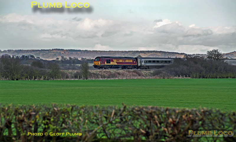 "67017 ""Arrow"", Kingsey, 1R55, 31st March 2015"
