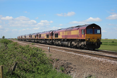66008_66019_66126_66197_66020_66125_66041  1242/0x14 Immingham-Whitemoor passes Middle Road crossing, March 25/05/13.