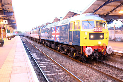 47580 TnT 47851  2143/1z63 Newcastle-Norwich charter pauses at March to set down passengers 09/06/12.