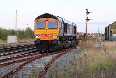 66723 1811/6T63 Ingatestone-Whitemoor approaching March 22/09/12.