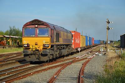 66080 1818/4E45 Felixstowe-Wakefield passes March Level Crossing.
