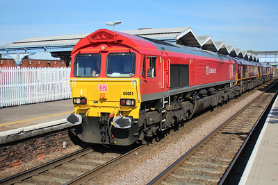 66001_66201_66147_66046 1659/0L11 Wembley-Whitemoor passing March 25/05/13.