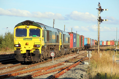 66502_66536 1711/4m41 Ipswich-Crewe approaching March 22/09/12.