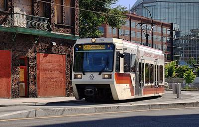 MAX 219 Downtown    | Sigma 18-50mm f/2.8 EX DC