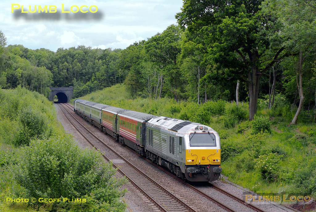 "67015 ""David J. Lloyd"" is now returning from Hatton as 5H45, the 13:58 training run to Marylebone, the six coach set with 82302 on the rear having just passed through the short Brill Tunnel at 15:06 on Friday 20th May 2011. Digital Image No. GMPI9154."