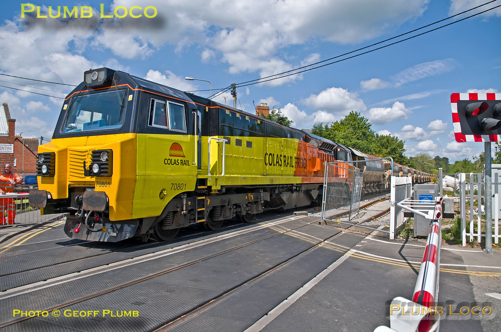 70801, Bicester London Road Level-Crosiing, 6C30, 14th May 2014