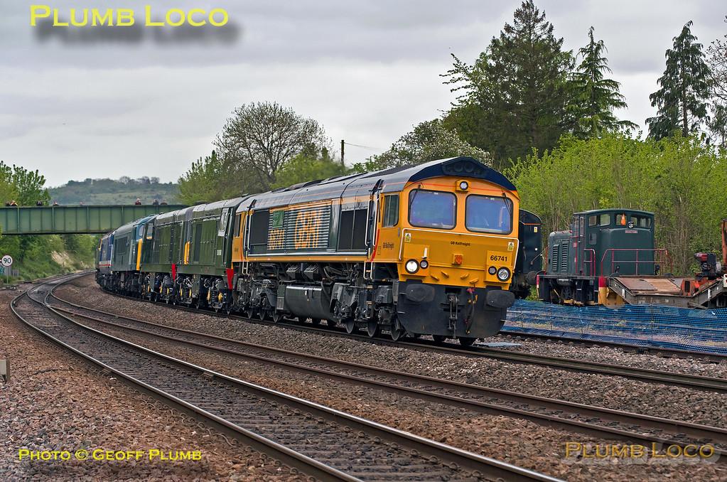66741 + Convoy, Princes Risborough, 0Z41, 9th May 2017