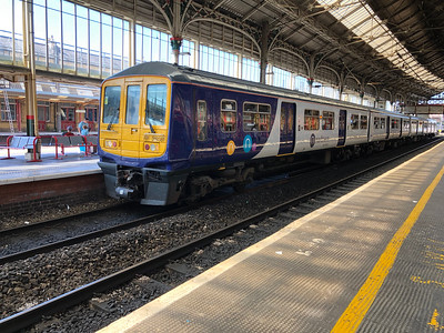 Class 319 at Preston