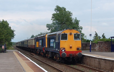 20309 and 20308 passing Wigton on the return Carlisle to Stratford-upon-Avon charter on 7th July 2012.