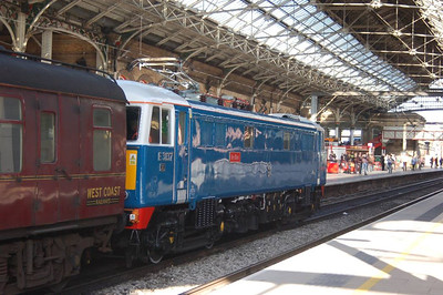 Another view of 86259/E3137 at Preston on 2nd March.