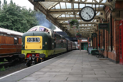 D9009 rolls into Loughborough station. It's a Deltic! Where is everybody?