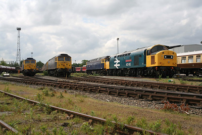 47848, 47843, 47805, 40145 gathered in Riviera Trains' sidings at Crewe.