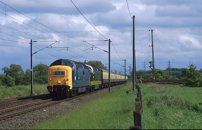 Today, this ecs working would have been advertised or even sold as a positioning special. The Sunday after they had both worked specials on the ECML, the DPS Deltics 55019 and D9009 double head their train back north. Lucky I stopped to ask what was coming! 23/5/98