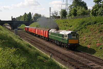 D5401 accelerating away from Rothley with a TPO rake