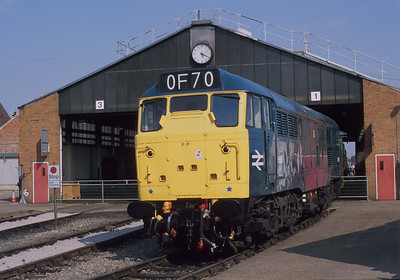 5580 looks very nice but the class 31 was always going to be a poor replacement for the class 35 'Hymeks'. 5/8/00