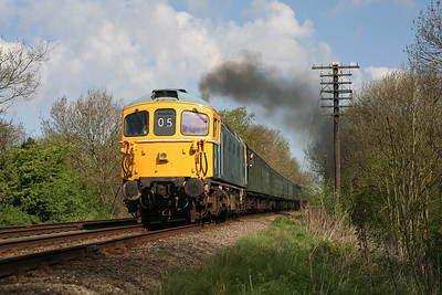 D6535 rounds the curve at Kinchley Lane, Great Central Railway. 26/4/09